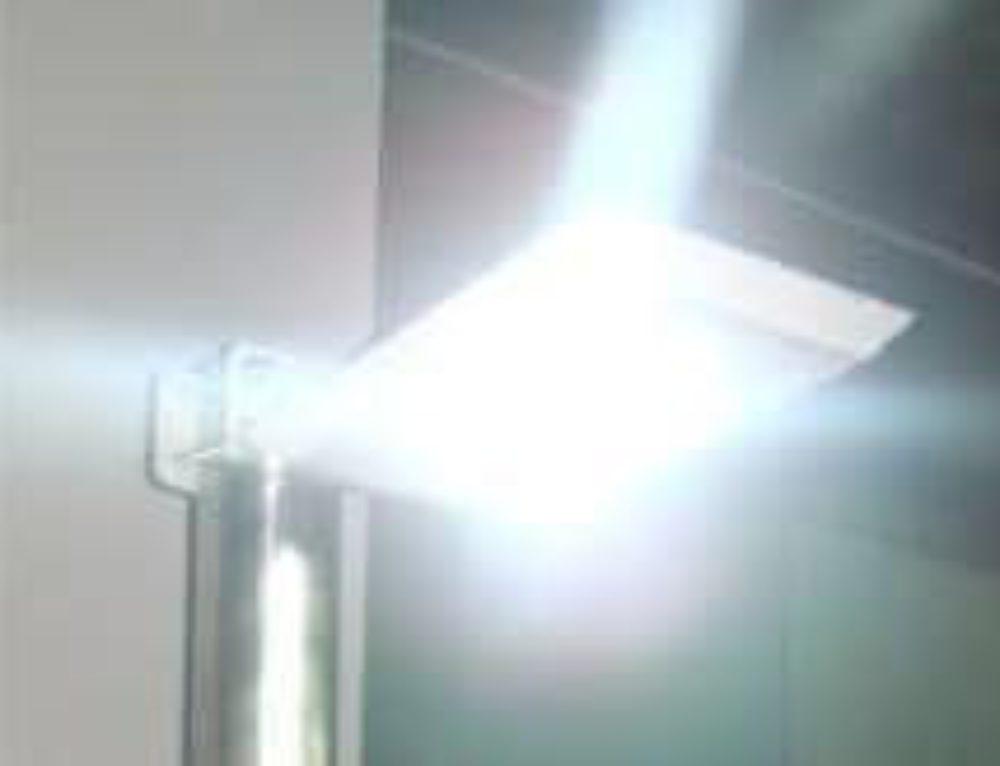 ECLAIRAGE CAMPING Tete de lampadaire autonome solaire jusqu'à 4000 lumen