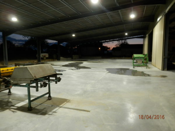 eclairage hangar agricole eclairage industriel led usine. Black Bedroom Furniture Sets. Home Design Ideas