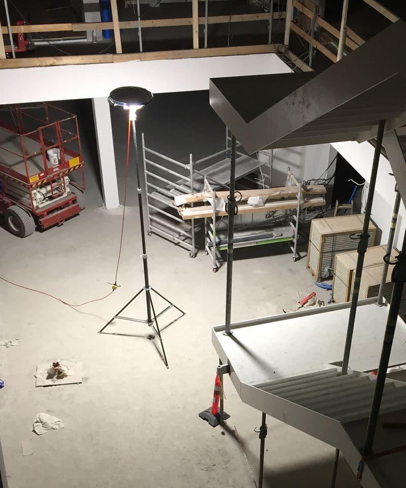 Projecteur led mobile ext rieur 50000 lm eclairage for Eclairage industriel exterieur